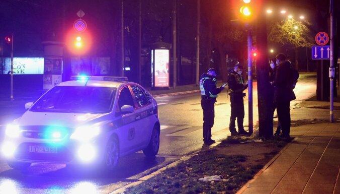 Во время комендантского часа агрессивный человек в аэропорту был оштрафован на 2000 евро