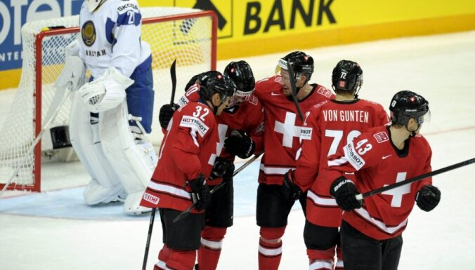 Šveices hokejisti pārliecinoši pārspēj Kazahstānas valstsvienību
