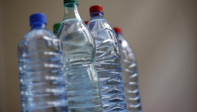 Пластик в бутилированной воде: ВОЗ начинает расследование
