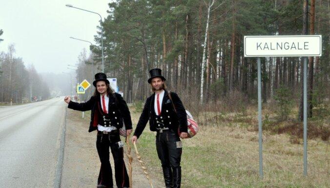 Ceļojums ar stopiem pa Eiropu kādas 800 gadus senas tradīcijas ietvaros