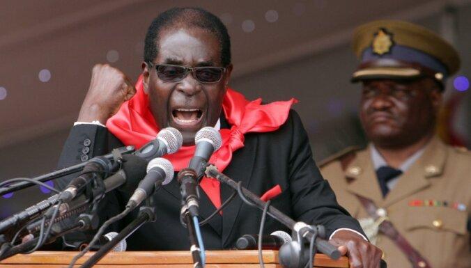В Зимбабве армия вмешалась в политический кризис