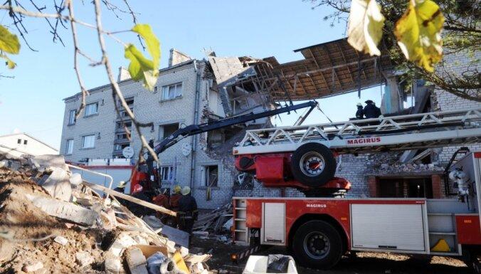 SC pieprasījums Dombrovskim skaidrot valsts palīdzības nesniegšanu Mālpilī sagruvušās mājas iedzīvotājiem nebūs steidzams