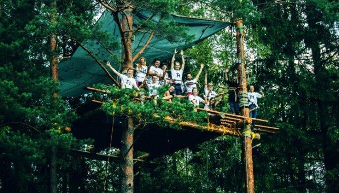 Ķeguma pusē aizvadīts pirmais 'Tree House place'; Latvijā varētu tapt arī viesnīca koku zaros