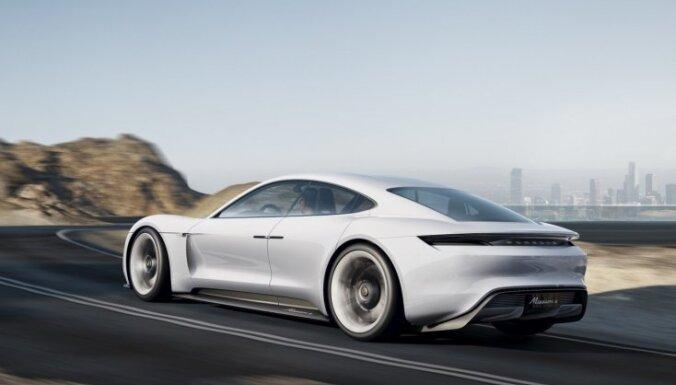 'Porsche' apstiprina sportiska elektromobiļa ieviešanu ražošanā