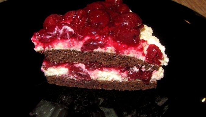 Ķiršu torte 'Kaprīze' kaloriju skaitītājiem
