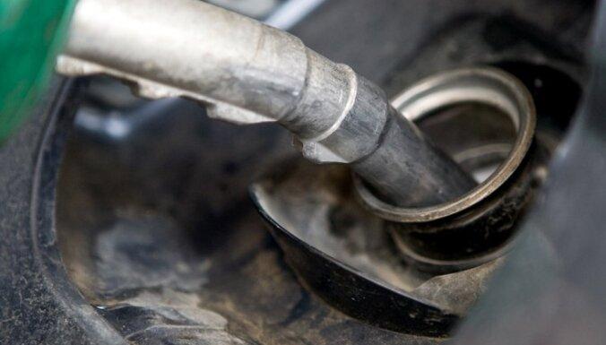 Aiztur 'kreisās' degvielas tirgoņu grupu; arī policistu