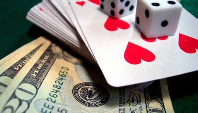 Мужчина получил тюремный срок за игру в покер с использованием чужой банковской карты