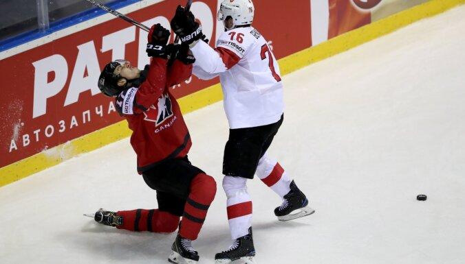 Kanādas izlasē PČ Rīgā debitēs 21 hokejists