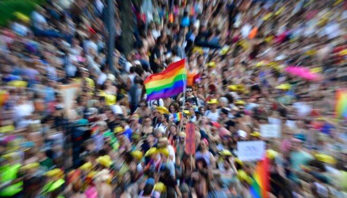 Участники берлинского гей-парада призвали усовершенствовать закон о реабилитации гомосексуалов