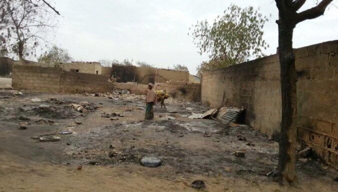 Sadursmēs ar nemierniekiem Nigērijā iznīcinātas 2000 mājas un nogalināti gandrīz 200 civiliedzīvotāji
