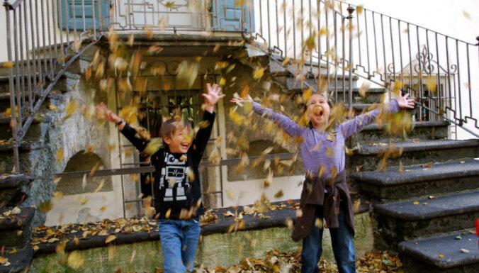 Когда этой осенью в Латвии лучше всего делать фото с листьями