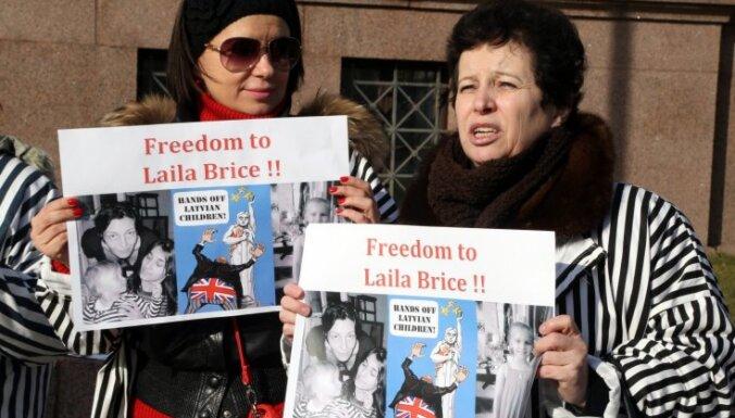 Latvijas vēstniecība no Brices saņēmusi informāciju par arestu