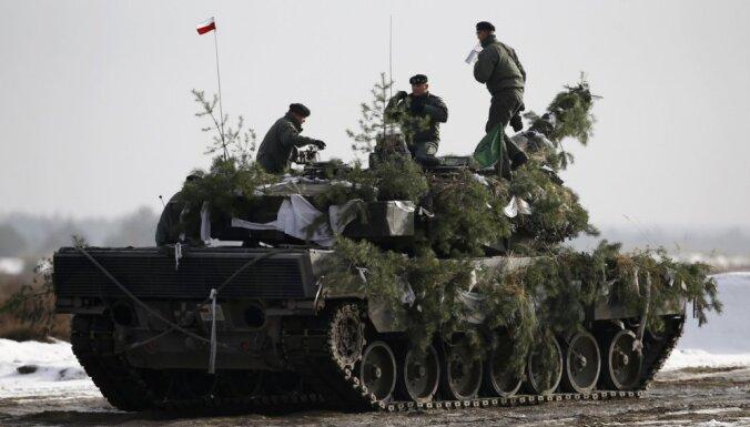 Polijas armijā nomainīti 90% vadošā sastāva