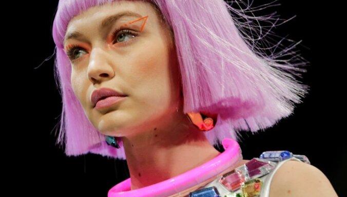 Модная фантастика: парики, космические комбинезоны и принты с медвежатами