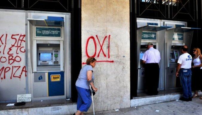 После открытия биржи греческий фондовый рынок рухнул более чем на 20%