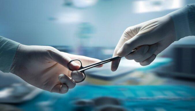 Latvijā veikta pirmā aknu transplantācija par valsts līdzekļiem