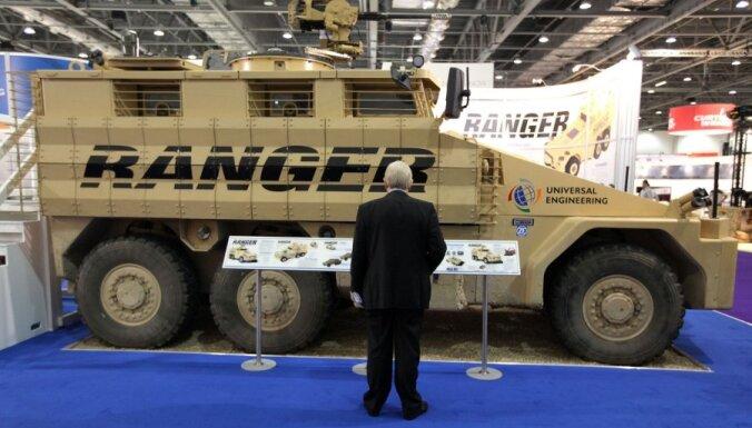 На выставке в Лондоне — оружие настоящего и будущего