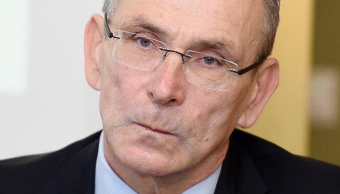 Biedru aiziešana neapdraud 'Vienotības' nākotni, uzskata Piebalgs