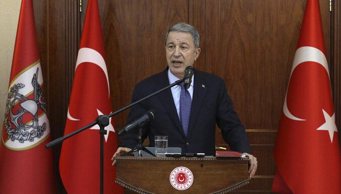 Turcija nepametīs NATO, norāda ministrs