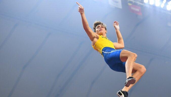 ВИДЕО: Швед Дюплантис установил мировой рекорд в прыжках с шестом