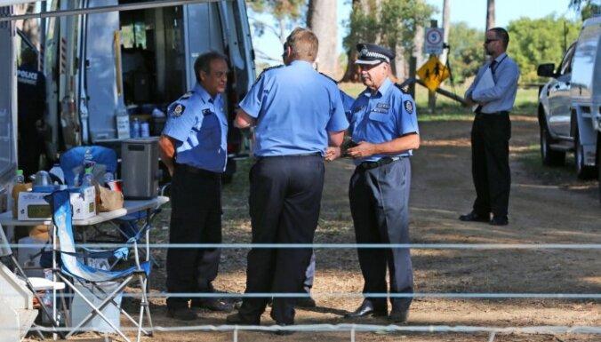 Austrālijā 61 gadu vecs vīrietis tiek turēts aizdomās par savas ģimenes noslepkavošanu