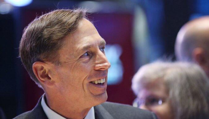 Ārlaulības attiecību dēļ atkāpies ASV CIP direktors
