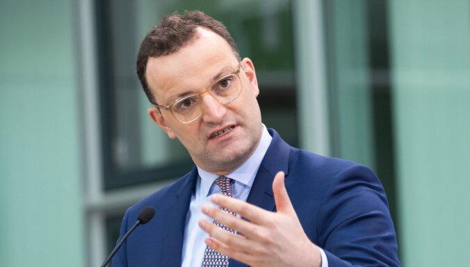 Vācijas veselības ministrs neizslēdz Krievijas vakcīnas izmantošanu