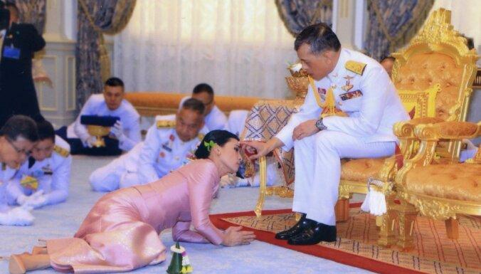 Taizemes karalis Vadžiralongkorns apprec savu miesassardzi