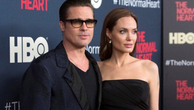 Анджелина Джоли и Брэд Питт договорились не разглашать детали развода