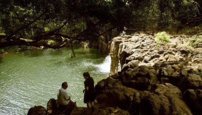 Havaju salu 'Nāves baseins' – nervus kutinoša vieta pat labiem peldētājiem