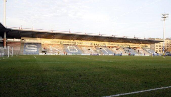 """Покупатели стадиона """"Сконто"""" полагают, что их обманули на миллионы евро"""