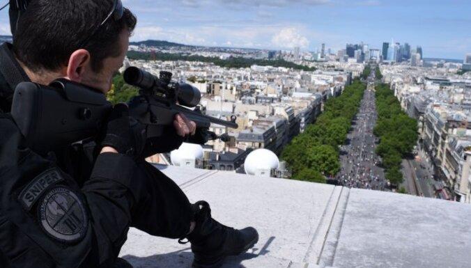 Ziņojums: Beļģijas policijai bija 13 iespējas atmaskot Parīzes teroraktu īstenotājus