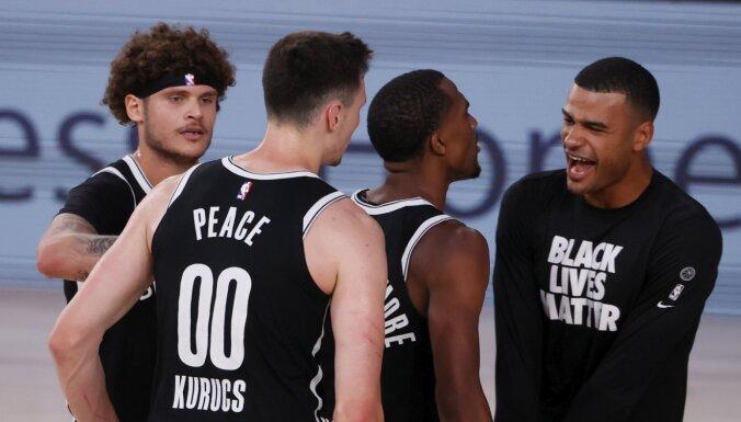 Kurucs un 'Nets' guvuši vispārsteidzošāko uzvaru NBA kopš 1993. gada