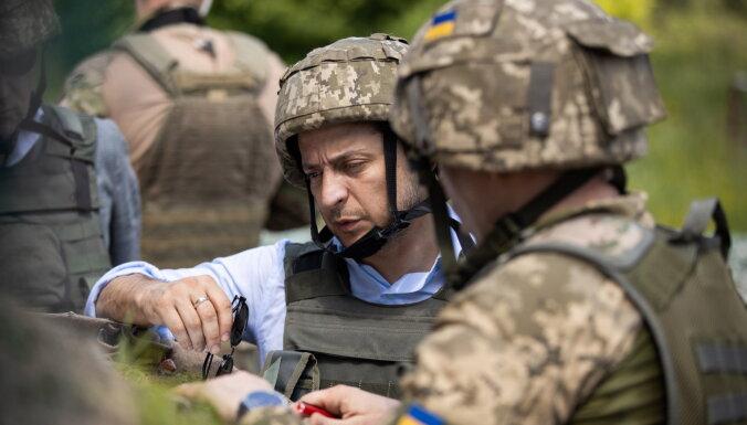 Зеленский приехал в Донбасс после сообщений о стягивании российских военных к границе