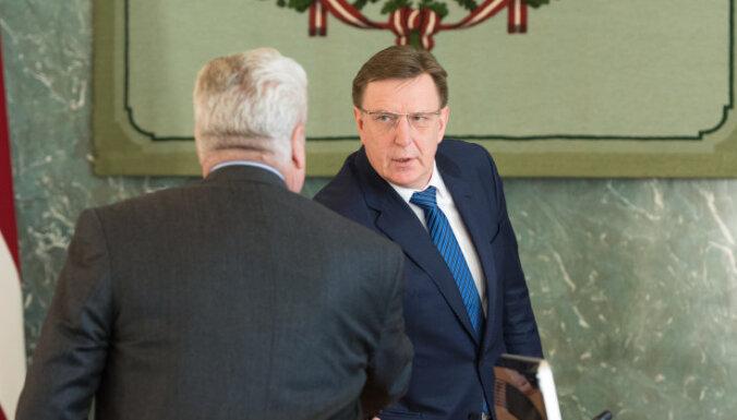 Премьер потребовал от Дуклавса объяснить подозрительный ужин в Литве