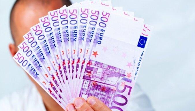 Spānijas opozīcijas līderis: no apgrozības jāizņem 500 eiro banknotes; tas mazināšot noziedzību