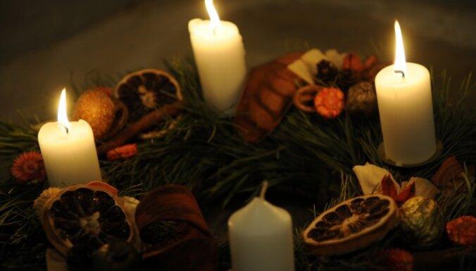 Ugunsdzēsēji aicina ievērot drošību, dedzinot sveces un Adventes vainagus