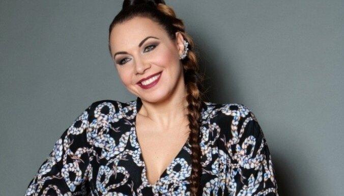 Jolanta Gulbe – Paškeviča jaunajā albumā iedziedājusi dziesmas 5 pasaules valodās