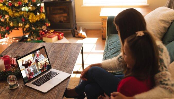 Ziemeļbriežu vakts un konfekšu medības: idejas, kā svētkus mājās padarīt īpašus bērniem