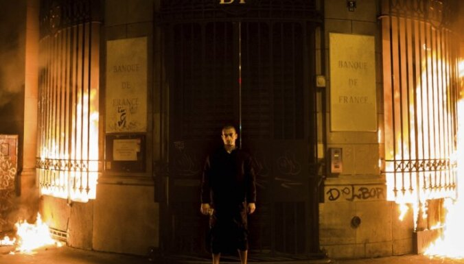 Днем гостит Павленский, ночью поет БГ. Легендарная каталонка Пакита между Парижем, Питером и Ригой