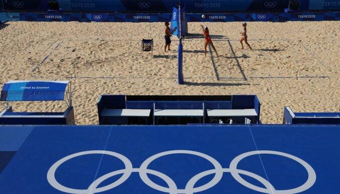 Čehijas delegācijā Covid-19 konstatēts arī pludmales volejbolistei Slukovai-Naušai