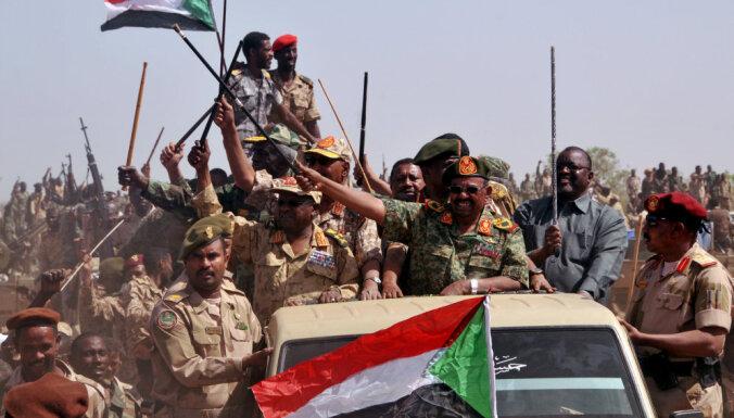 Переворот в Судане: армия свергла правящего 25 лет президента и правительство