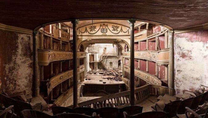 Foto: Ārpus laika un likuma – fotogrāfs iemūžina pamestus Eiropas teātrus