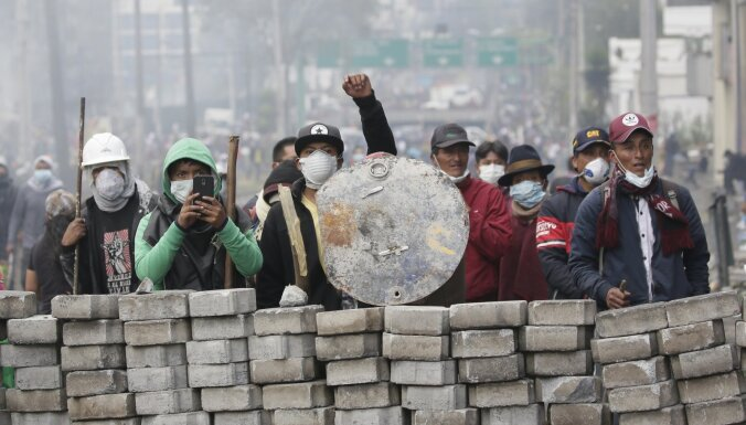 Ekvadoras prezidents izsludinājis komandantstundu; protestētāji piekrituši sarunām