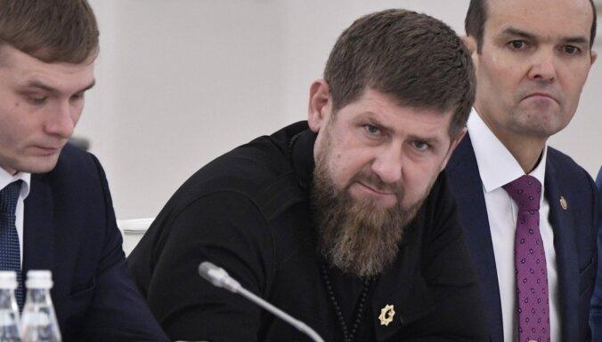 Kadirovs nepakļaujas Maskavai un atsakās atvērt Čečenijas robežas