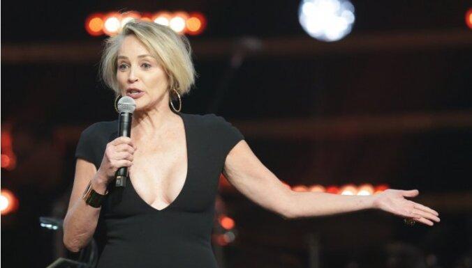 Шэрон Стоун увеличили грудь без ее согласия