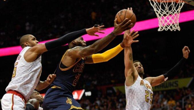 'Cavaliers' iekļūst NBA izslēgšanas spēļu konferences finālā