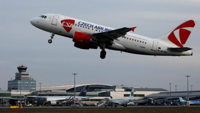 Россия и Чехия договорились о сохранении авиарейсов до конца лета