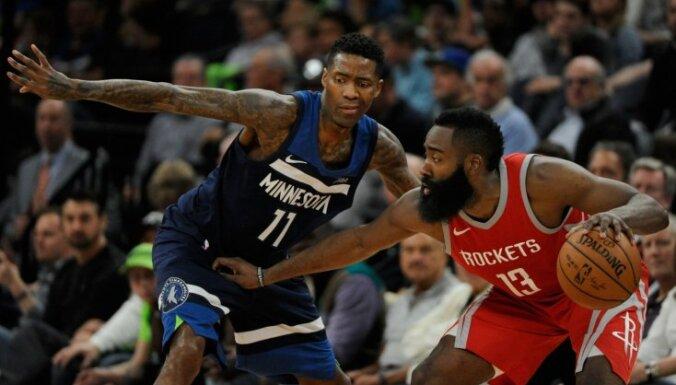 'Rockets' un 'Jazz' nonāk uzvaras attālumā no NBA 'play-off' otrās kārtas