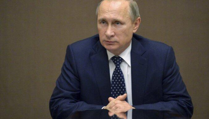 Rietumi cenšas traucēt PSRS atjaunošanu, uzskata Putins